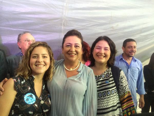 Kátia Abreu com as presidentes da UNE e UBRES
